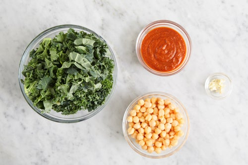 Prepare the ingredients & make the sauce: