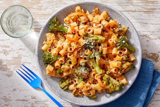 Pasta in Spicy Tomato Sauce with Broccoli