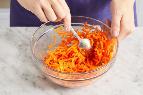 Make the carrot slaw: