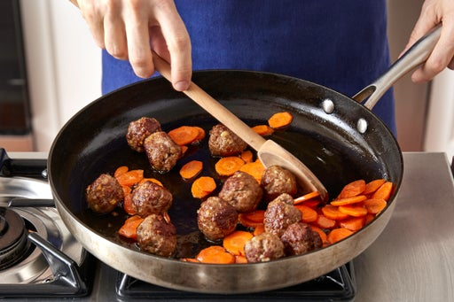Cook the meatballs & carrots: