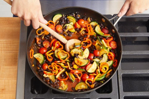 Cook the vegetables & make the sauce: