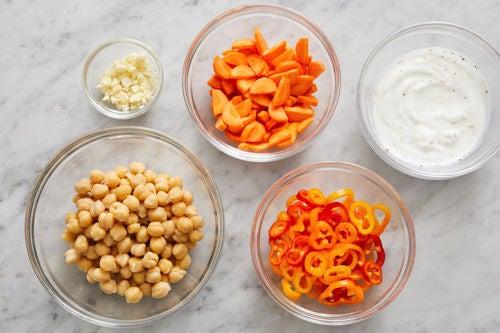 Prepare the ingredients & season the yogurt: