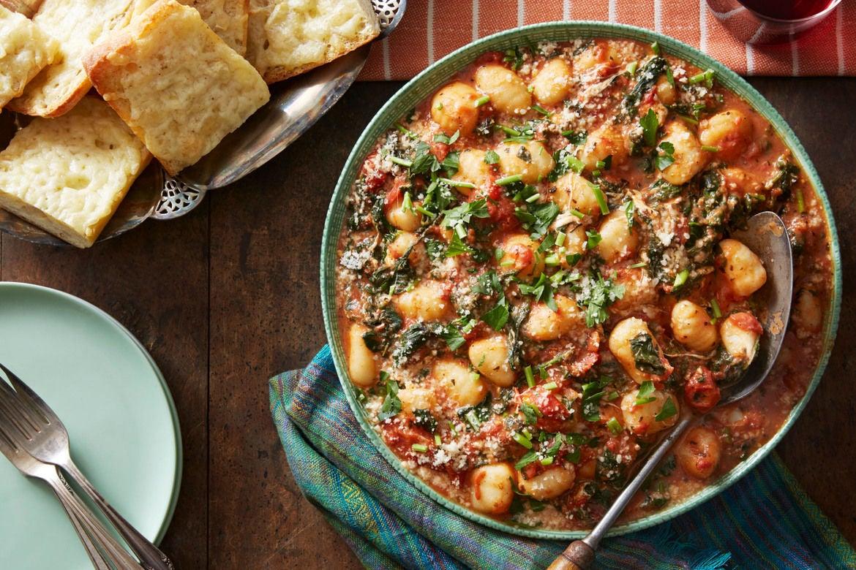 Blue apron unhealthy - Spinach Mozzarella Gnocchi With Cheesy Garlic Bread