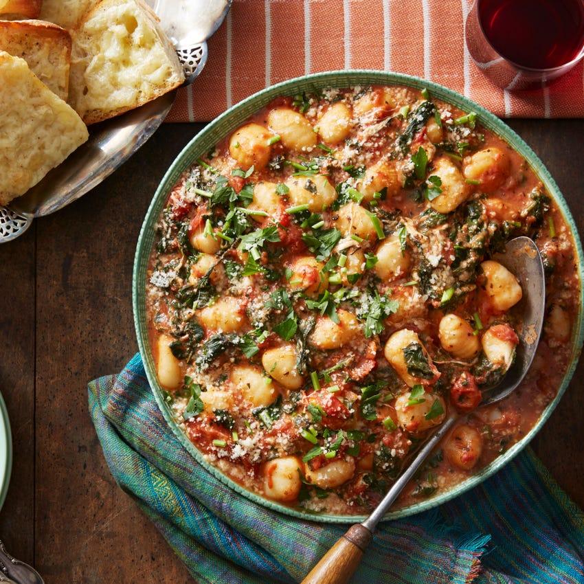 Spinach & Mozzarella Gnocchi with Cheesy Garlic Bread