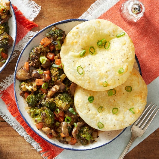 Mushroom & Broccoli Casserole with Baked Pastry