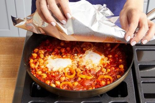 Finish the shakshuka & serve your dish: