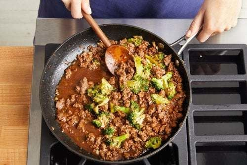Cook the beef & sauce: