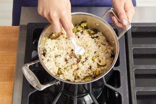 Make the zucchini rice: