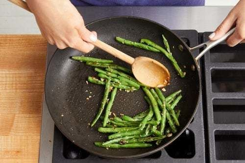 Cook the green beans: