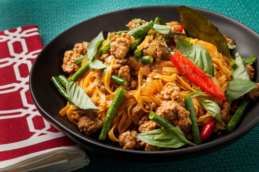 Curry Noodles with Pork & Long Beans