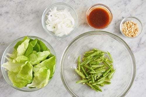 Prepare the ingredients & marinate the peas: