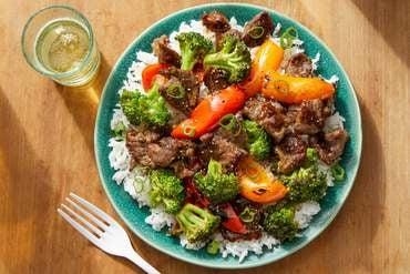 0715 fpv beef broccoli 3636 crop right high menu thumb