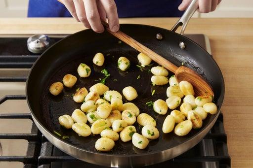 Crisp the gnocchi: