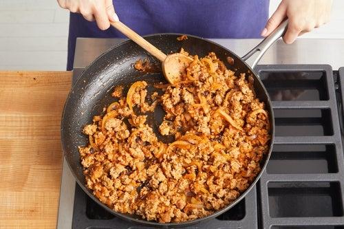 Cook the pork & make the sauce: