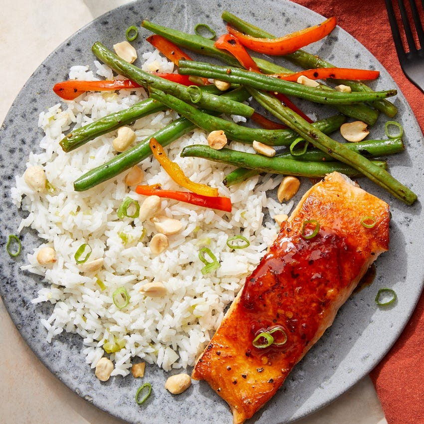 Sweet & Spicy Salmon with Green Beans, Sweet Peppers & Jasmine Rice