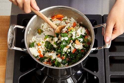 Finish the rice & serve your dish: