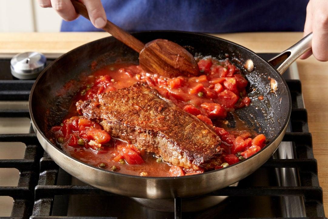 Make the sauce & finish the steak: