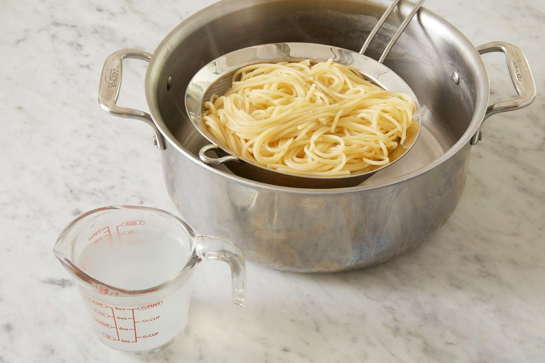 Cook & finish the spaghetti: