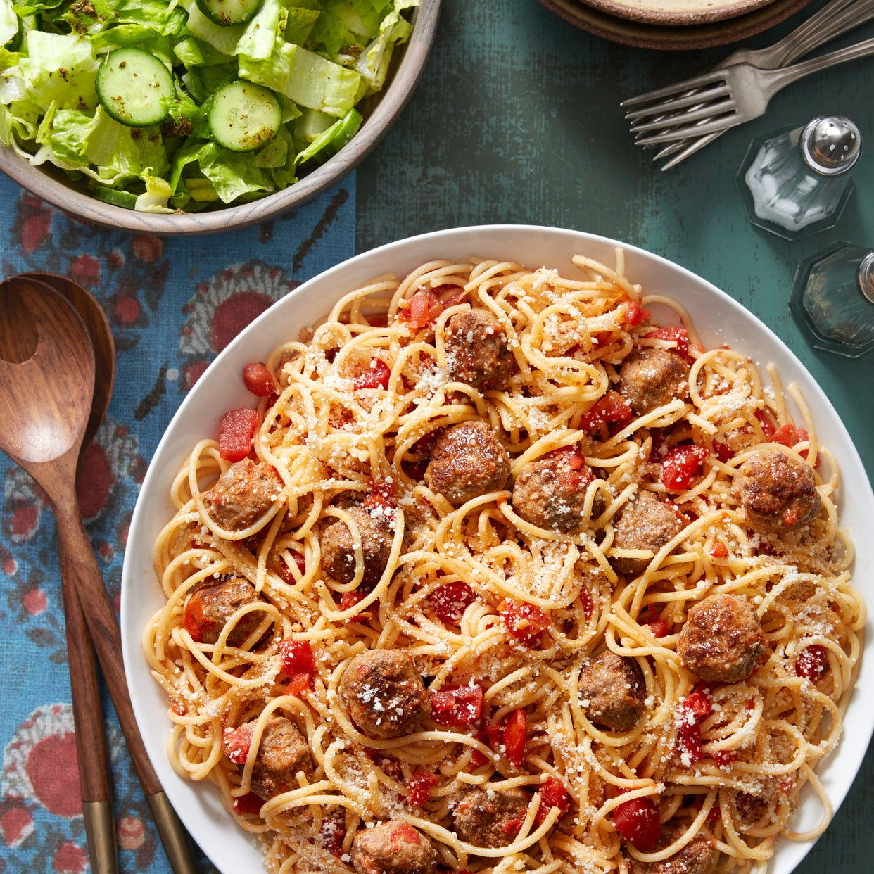 Spaghetti & Meatballs with Romaine Salad & Oregano Dressing