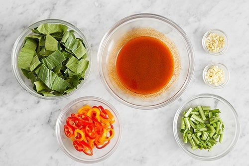 Prepare the ingredients & make the broth: