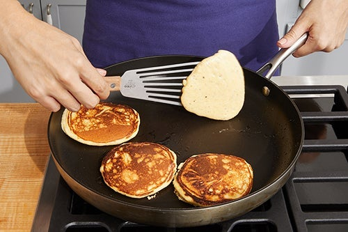 Cook the corn cakes & serve your dish: