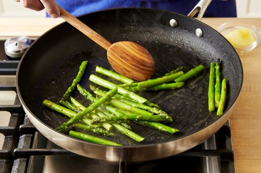 Cook the asparagus: