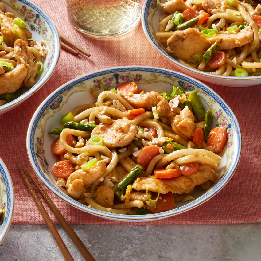 Stir-Fried Chicken & Udon Noodles with Asparagus & Carrots