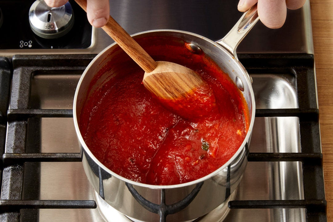 Cook the tomato sauce: