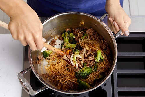 Finish the noodles & serve your dish: