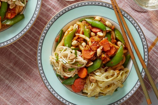 Spicy Noodles, Snap Peas, & Mushrooms with Japanese-Style Omelette