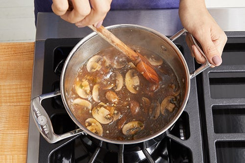 Cook the mushrooms & make the broth:
