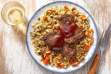 Harissa-Fig Chicken Thighs & Orzo Salad with Carrots & Salsa Verde