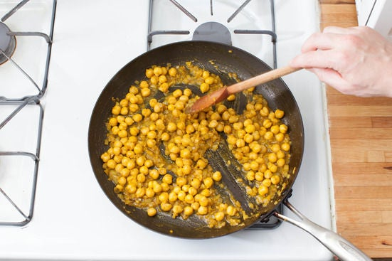 Finish the chickpeas & plate your dish: