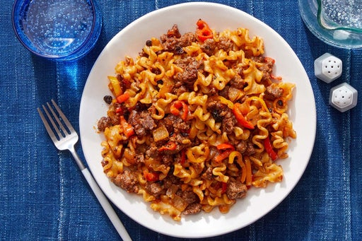 Spiced Beef & Mafalda Pasta with Sweet Peppers & Currants
