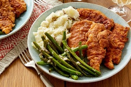 Hot Chicken & Sautéed Green Beans with Creamy Mashed Potato