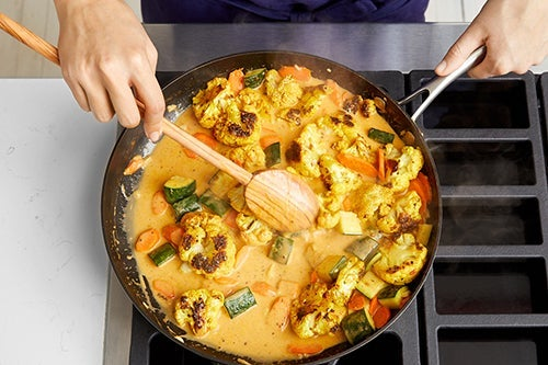 Finish the curry & serve your dish: