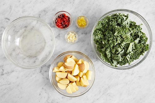 Prepare the ingredients & make the topping: