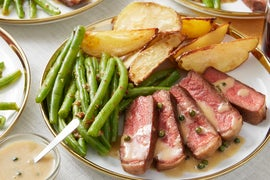 Seared Steaks & Peppercorn Sauce with Roasted Potatoes & Green Beans