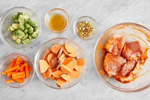 Prepare the ingredients & marinate the pork: