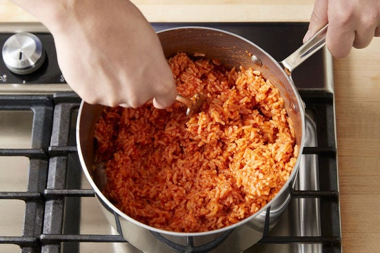 Prepare the garlic & make the tomato rice: