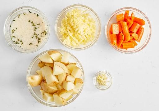 Prepare the ingredients & start the gravy: