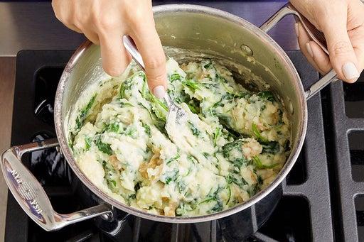 Make the spinach & potato mash: