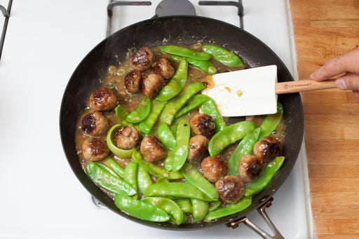 Add the snow peas & slurry, then enjoy: