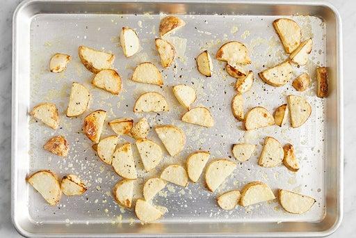 Make the cheesy potatoes: