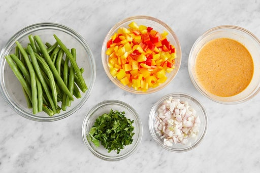 Prepare the ingredients & make the creamy romesco sauce: