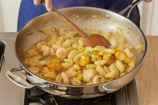 Cook & finish the gnocchi: