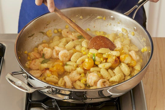 Cook & finish the gnocchi: