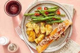 Seared Salmon & Shallot-Dijon Vinaigrette with Roasted Potatoes & Sautéed Green Beans