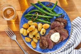 Seared Steaks & Aioli with Crispy Gnocchi & Sautéed Green Beans