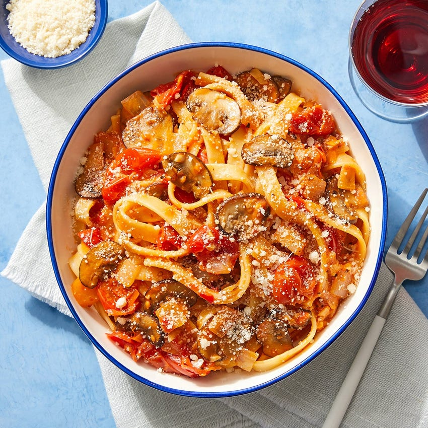 Fettuccine Pasta & Mushrooms with Spiced Tomato Sauce